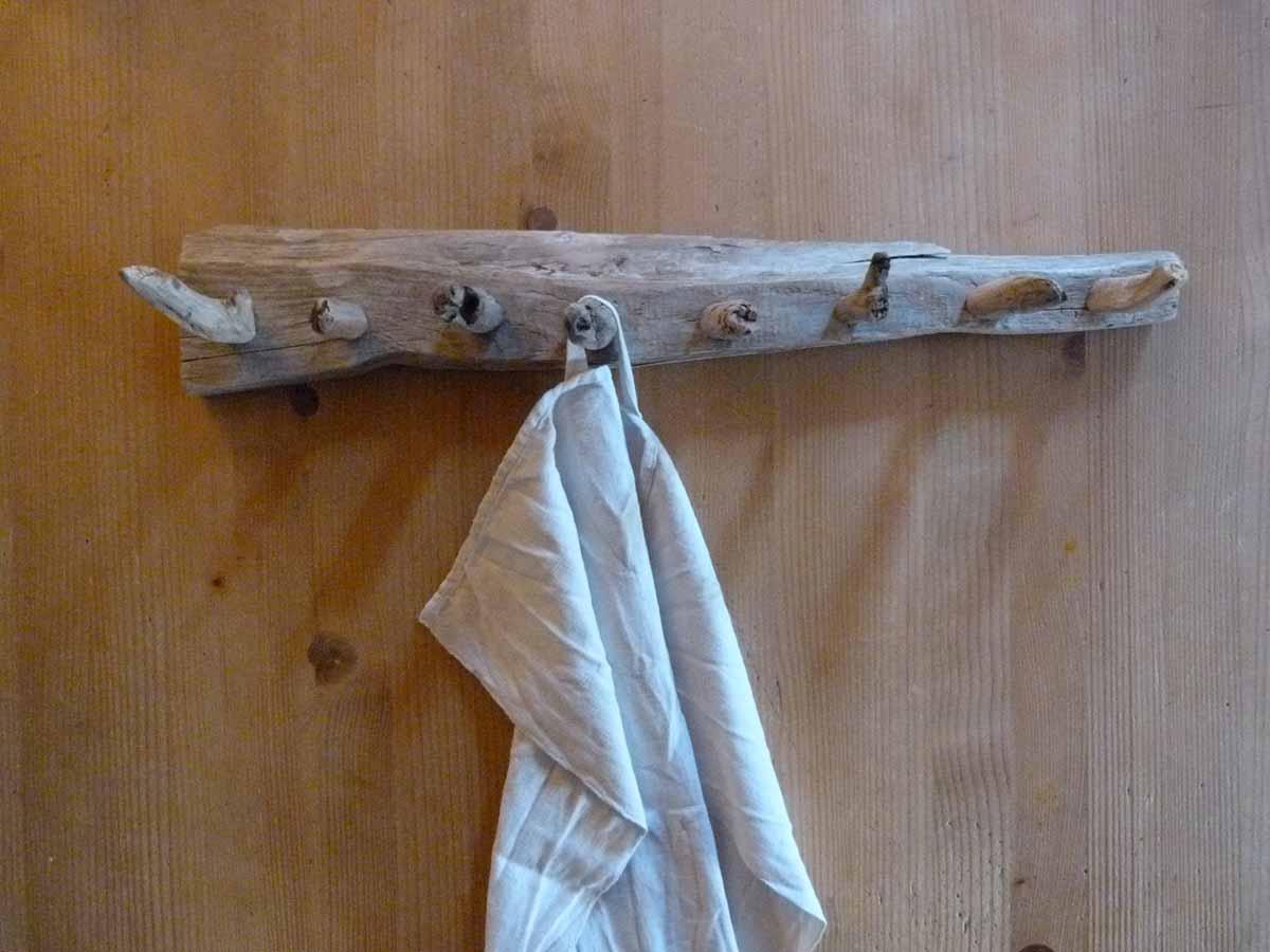 Hakenleiste aus Treibholz