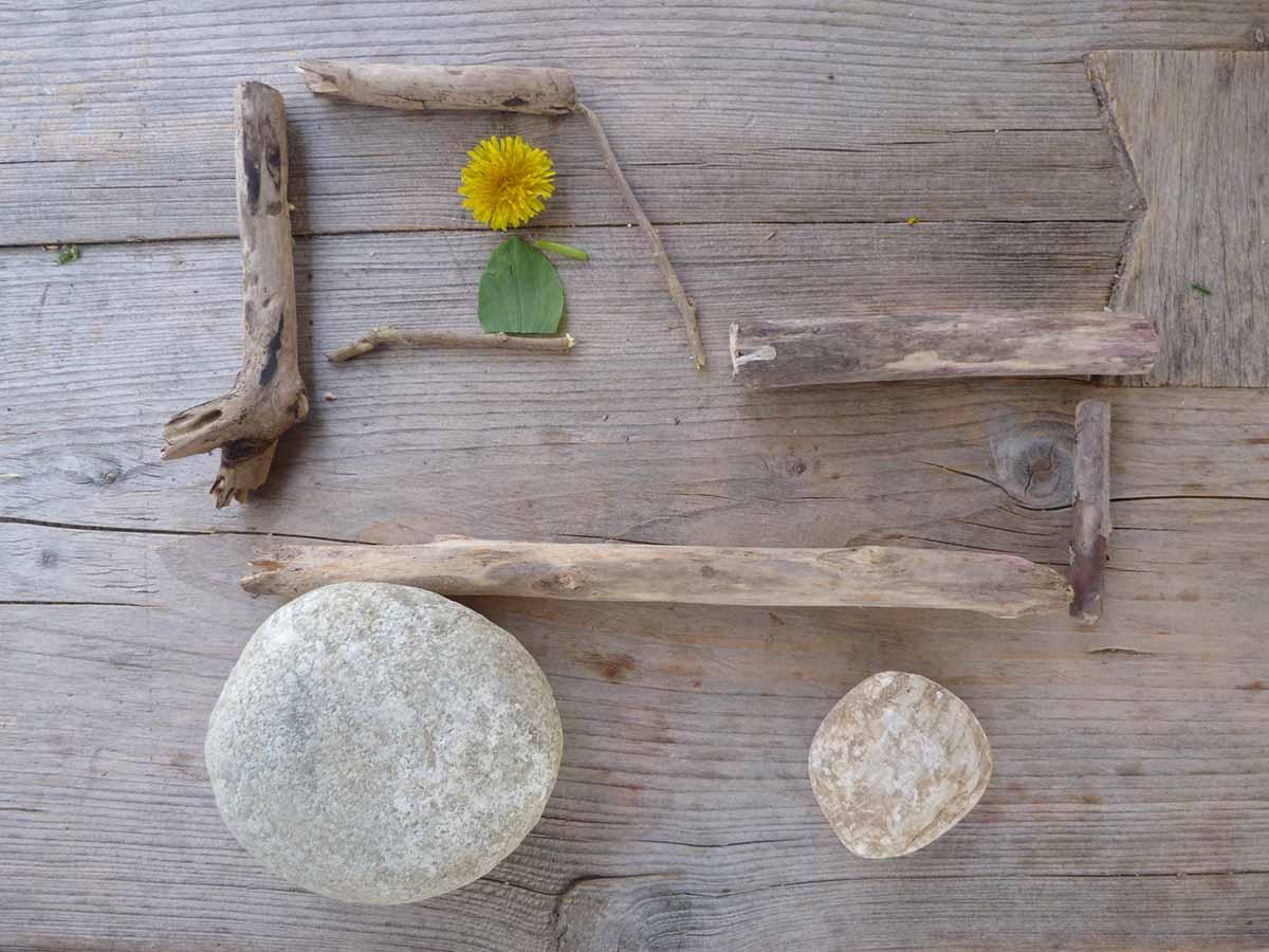 Spiele für Draußen - Bulldog aus Ästen und Steinen